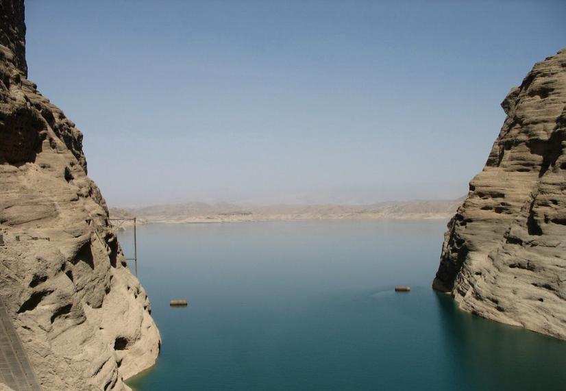دریاچه سد دز