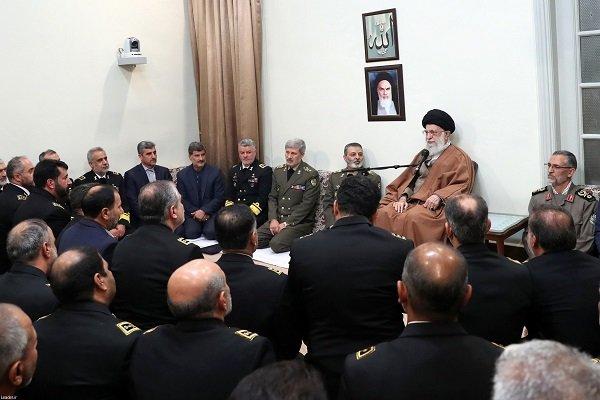 رهبر انقلاب: کاری کنید دشمنان حتی جرأت تهدید ملت ایران را نداشته باشند