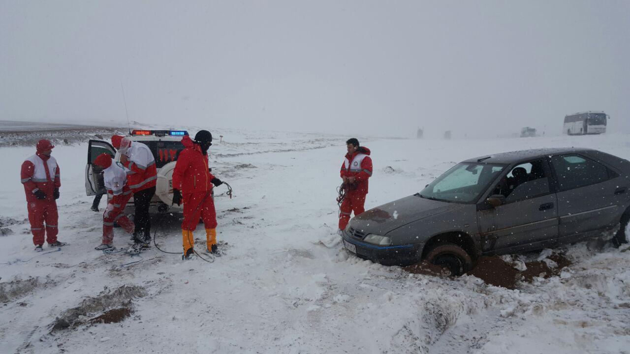 امدادرسانی به ۲۰۶۹۸ نفر گرفتار در برف و کولاک / یک مفقودی و دو فوتی