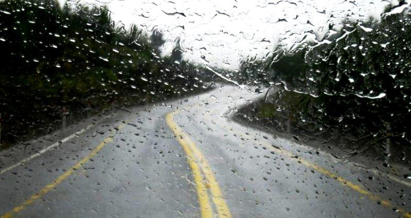 جاده های ۱۲ استان کشور زیر بارش باران
