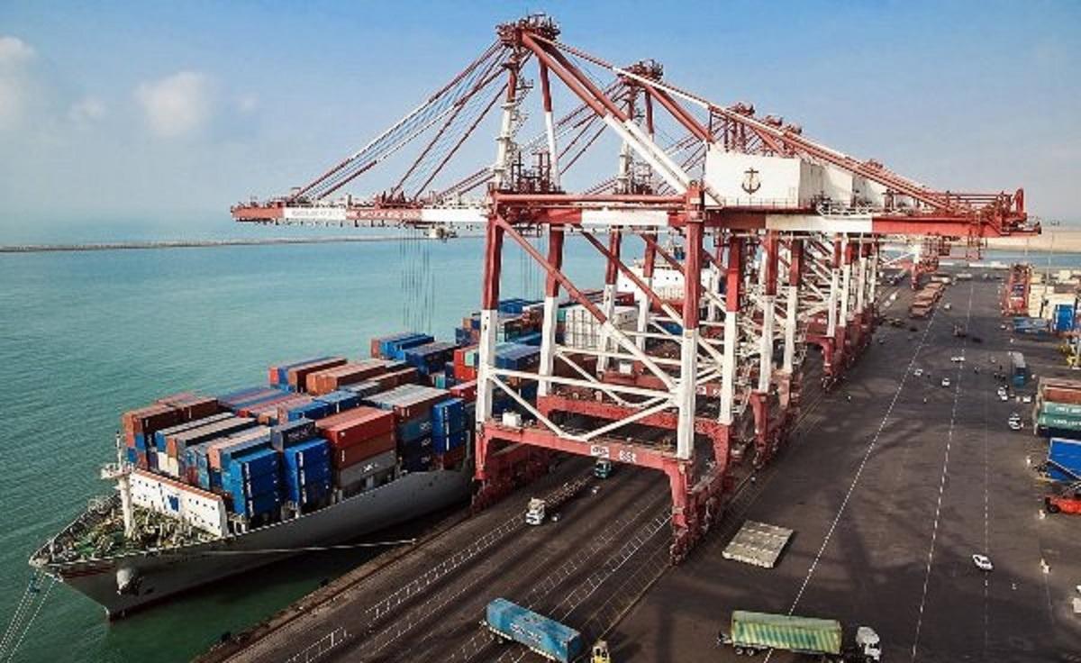 صادرات ۶.۷ میلیون تن فرآورده نفتی از بندر شهید رجایی