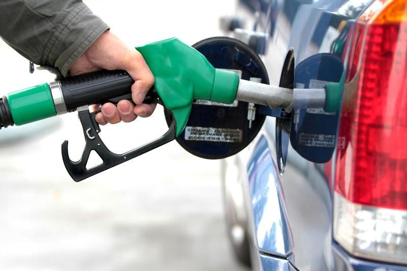 در مورد سهمیه بندی بنزین و افزایش نرخ بنزین تصمیمی نگرفته ایم