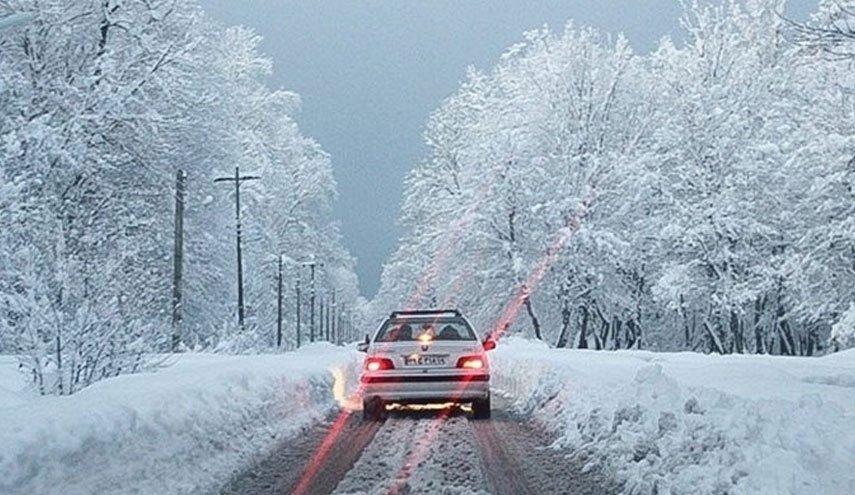 ۱۹ استان کشور زیر برف و باران / در مناطق کوهستانی زنجیر چرخ به همراه داشته باشد