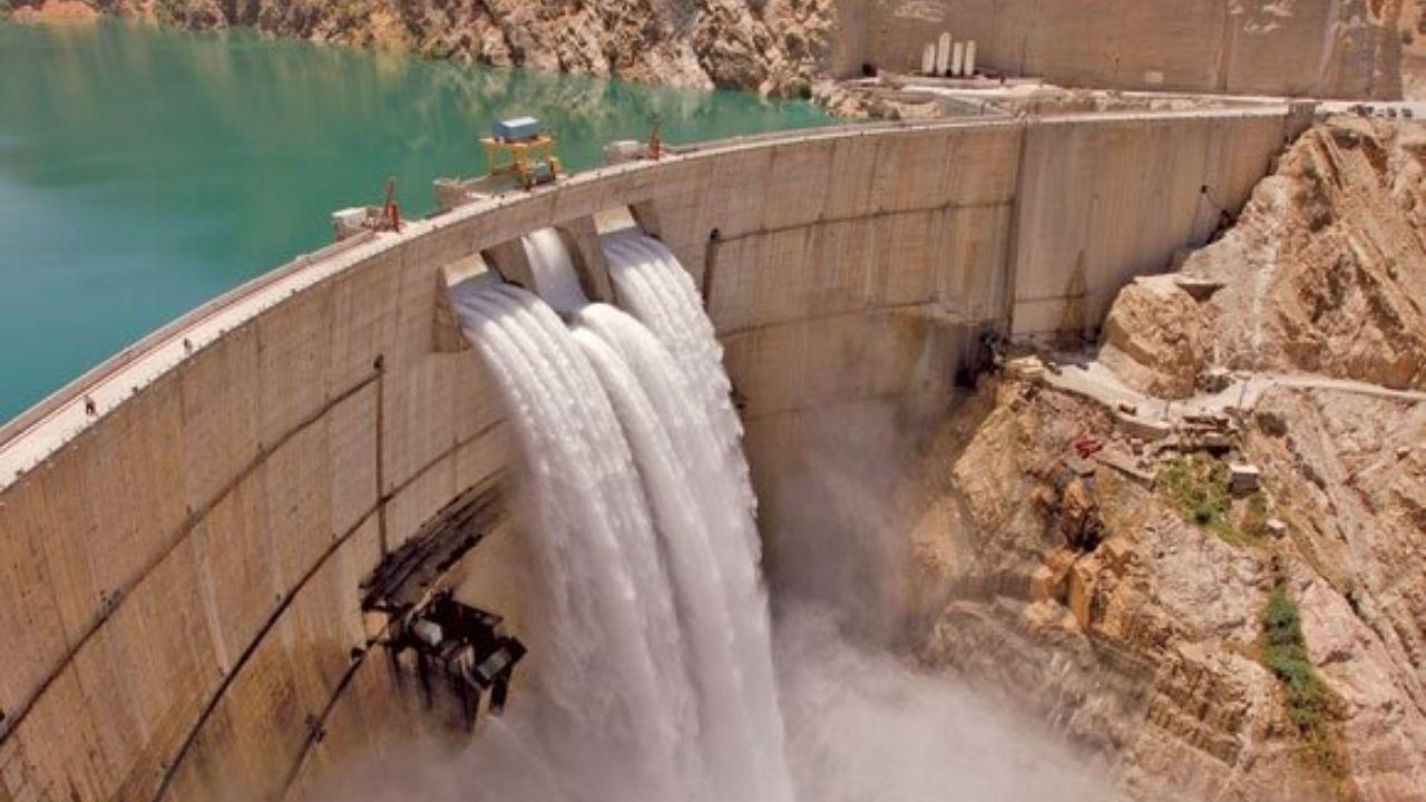 دریاچه ارومیه میزبان ۲۱۵ میلیون مترمکعب آبهای رها شده از سد ها شد