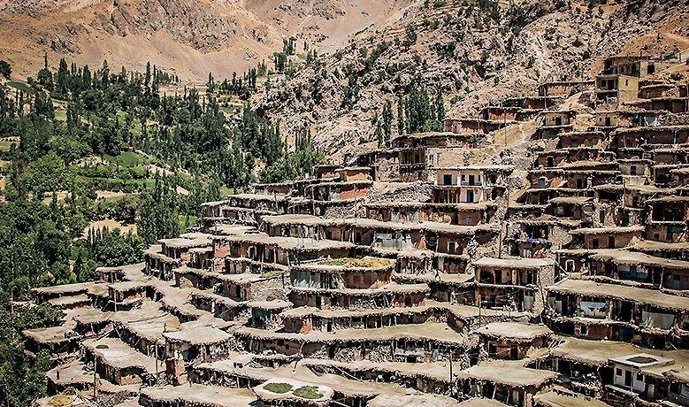 ۱۶ روستای کوهرنگ تخلیه شد / قطع راه ارتباطی ۵۳ روستا
