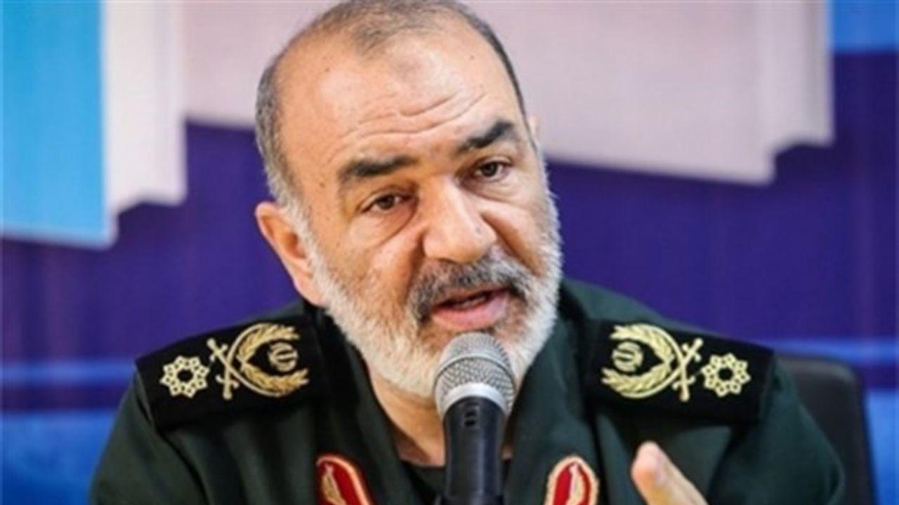 سرلشکر سلامی: دشمنان دیگر هوس راه انداختن جنگ نظامی با ما را نمی کنند