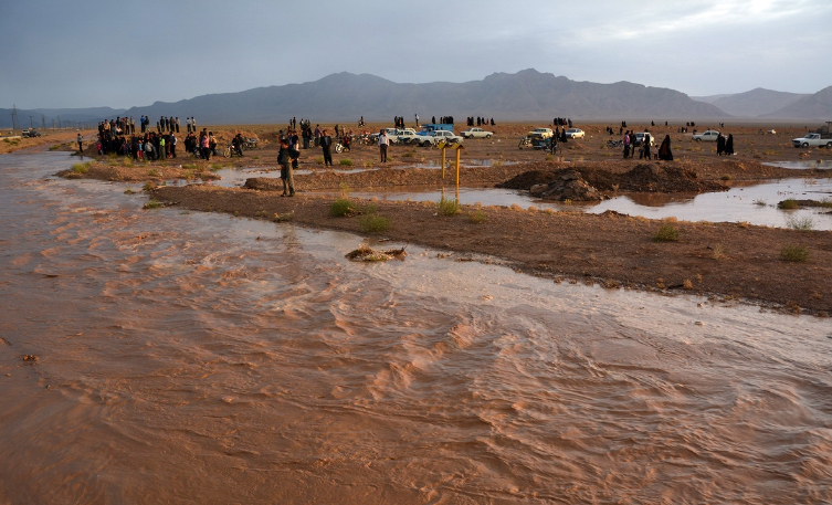 شرق اصفهان غرق در سیل
