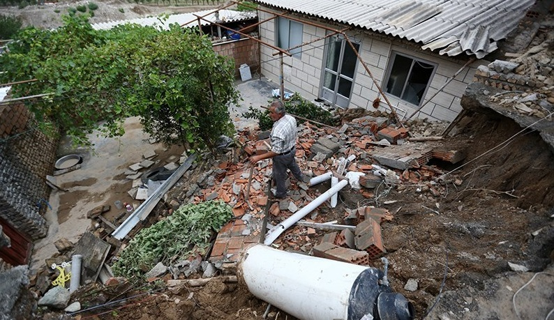 دولت وام بلاعوض برای بازسازی مسکن مناطق سیل زده پرداخت می کند