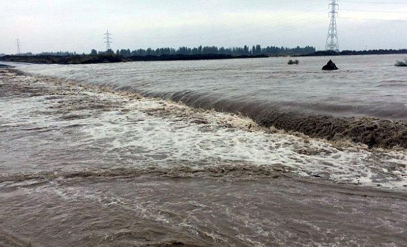 طغیان رودخانه جاده های جنوب را مسدود کرد