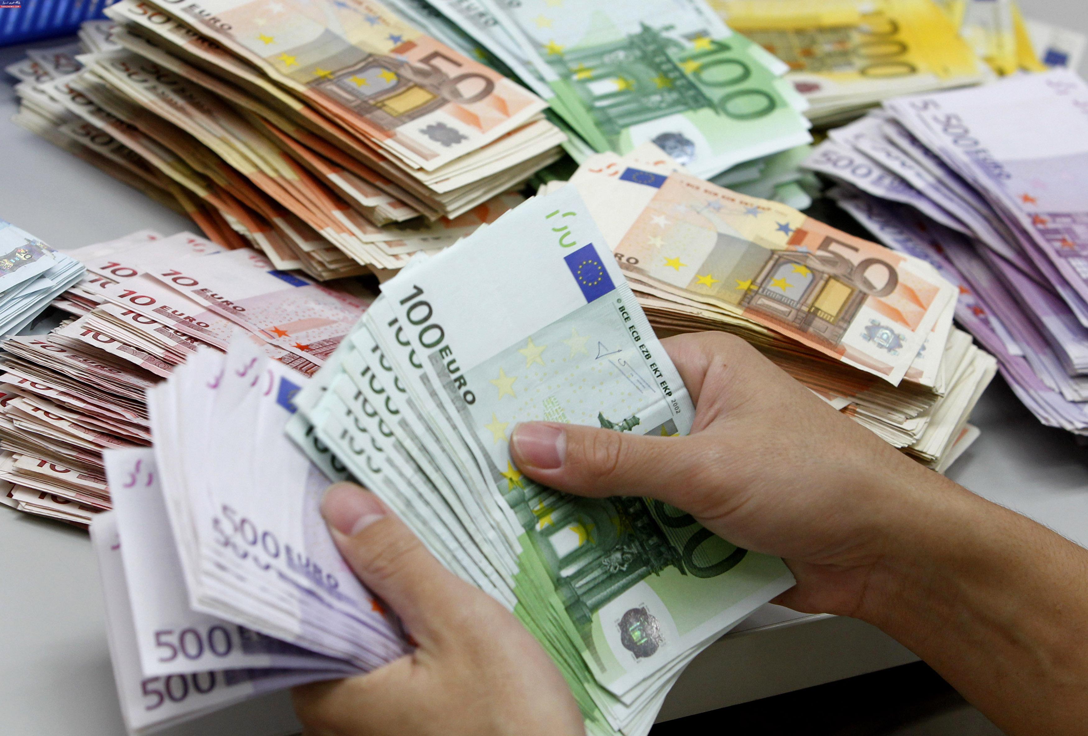 پوند نزدیک رکورد ۹ ماهه ماند / دلار بدترین هفته ۲۰۱۹ را سپری کرد
