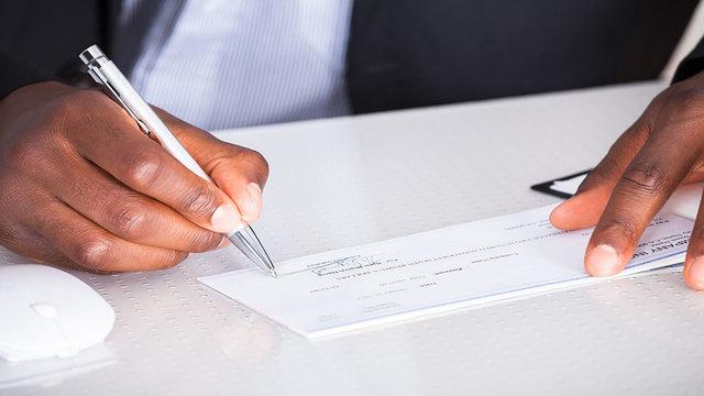 ورود قانون چک به فاز جدید اجرایی از فردا/ خداحافظی با چک حامل