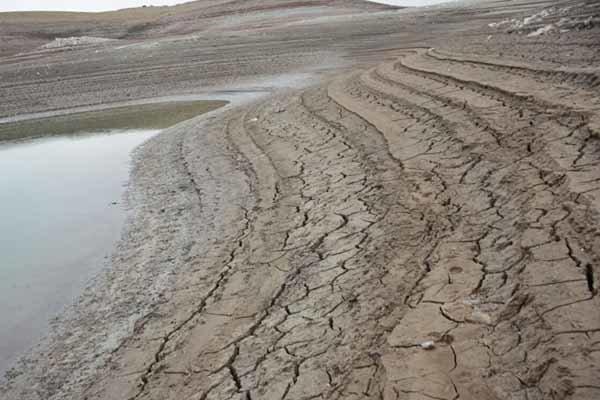 بهانه گل آلود بودن سد برای قطع آب مناطق سیل زده