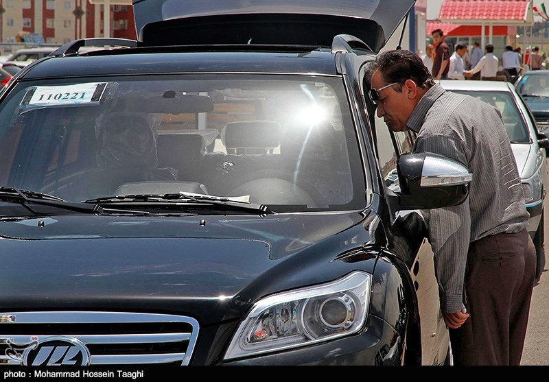 قیمت خودرو امروز ۱۳۹۸/۰۴/۲۶|مشتری در بازار نیست/ کاهش ۱ تا ۶ میلیون تومانی قیمتها