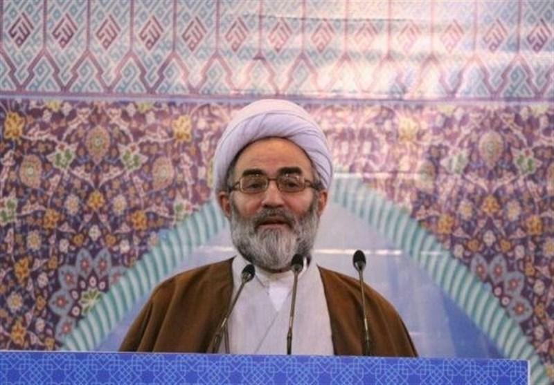 امام جمعه رشت: دستگاه قضایی با توجه به گرانی کالاها با مدیران متخلف برخورد کند