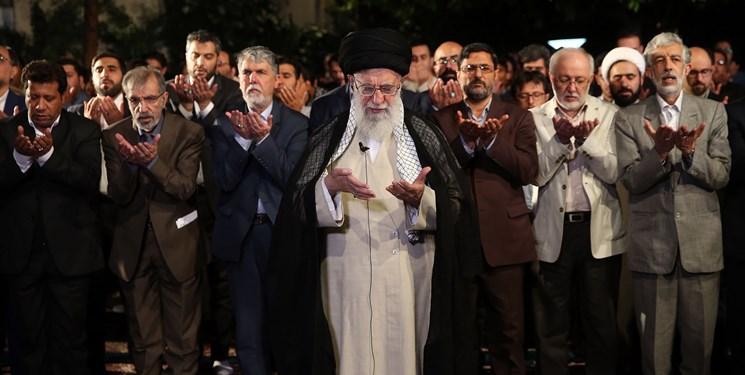 جمعی از شاعران با رهبر معظم انقلاب اسلامی دیدار کردند
