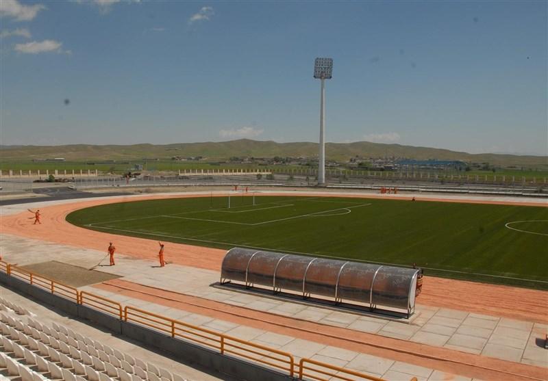 رئیس جمهور ورزشگاه ۶۰۰۰ نفری سلماس را افتتاح کرد