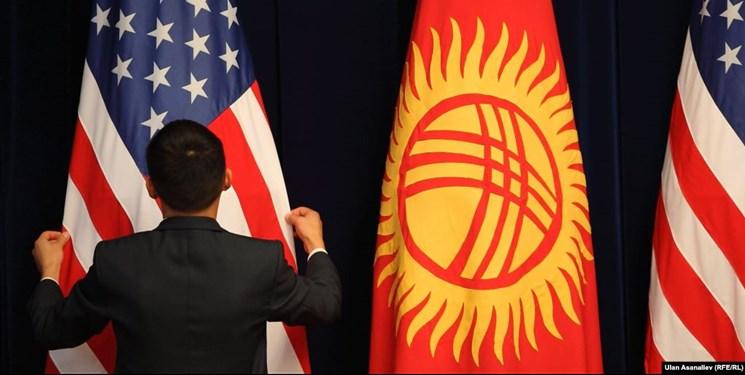 هشدار کارشناس قرقیز در مورد جاسوسی و مهندسی آرا در قرقیزستان توسط آمریکا