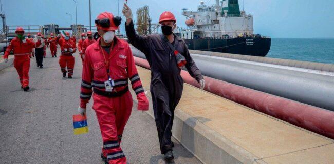 نشریه آمریکایی: ونزوئلا خوشحال از رسیدن نفتکشهای ایرانی