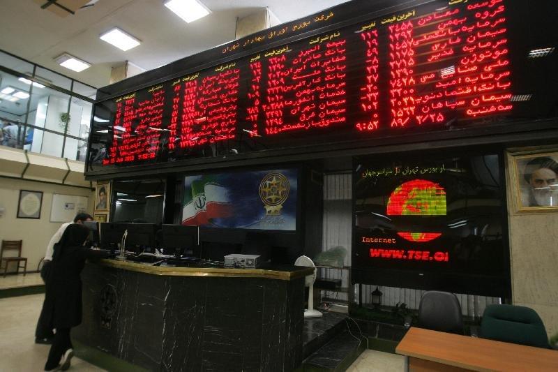 بورس تبریز در مرداد ماه ۶۱۳میلیارد تومان سهام معامله کرد