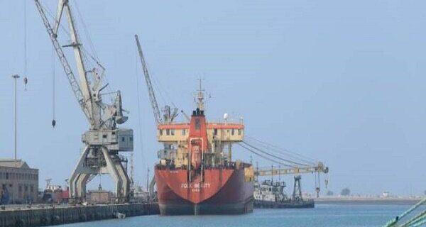 تداوم توقیف کشتیهای حامل مواد غذایی برای مردم یمن توسط سعودیها