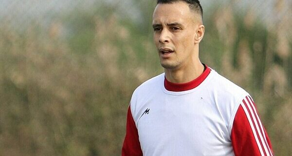 باشگاه الجزایری به دنبال جذب مهاجم تراکتور