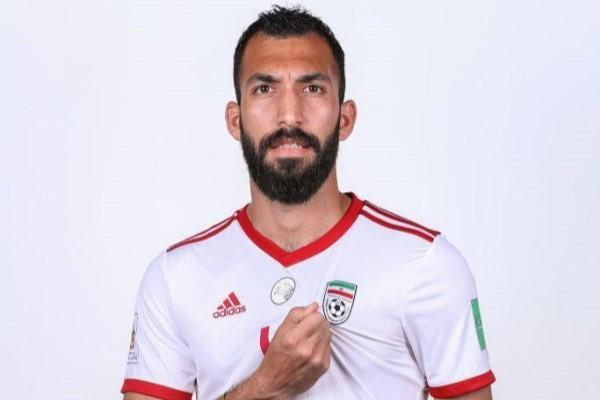 روزبه چشمی جایگزین اشکان دژاگه شد/ احسان حاج صفی بازوبند کاپیتانی را بست