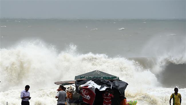 دستکم ۳۵ کشته در اثر طوفان در ایالتهای غربی هند