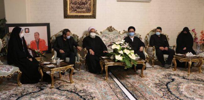 حضور نماینده ولی فقیه در استان و شهردار تبریز در منزل زندهیاد قلیزاده