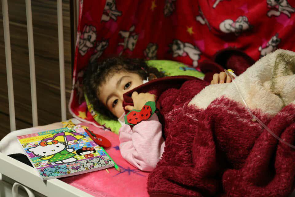 رج به رج به یلدا رسید/ شبی پر مهر در کنار کودکان مبتلا به سرطان