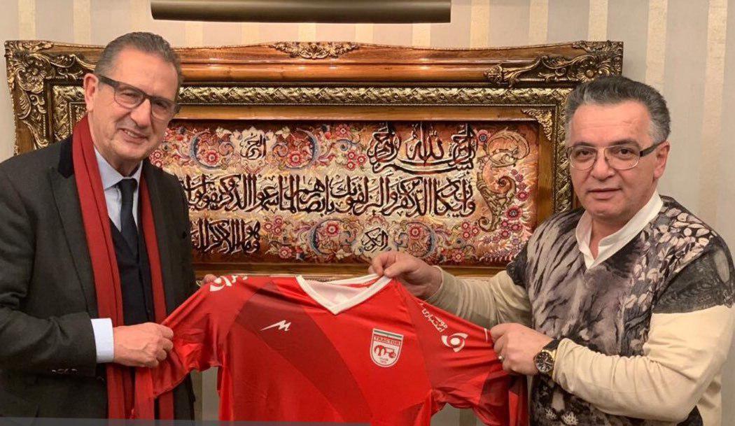 جرج لیکنز سرمربی تیم فوتبال تراکتورسازی